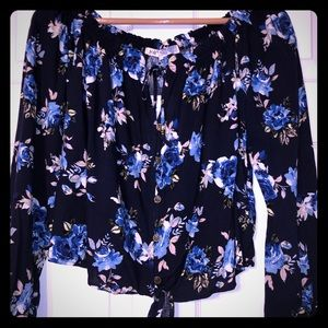 *NWT* Floral Long Sleeve Scoop-Neck Shirt